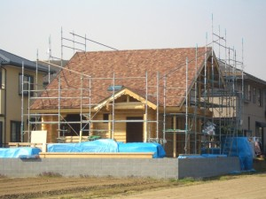 テラコッタ柄の屋根が完成。 ヨーロッパの風合いで、とても綺麗です。